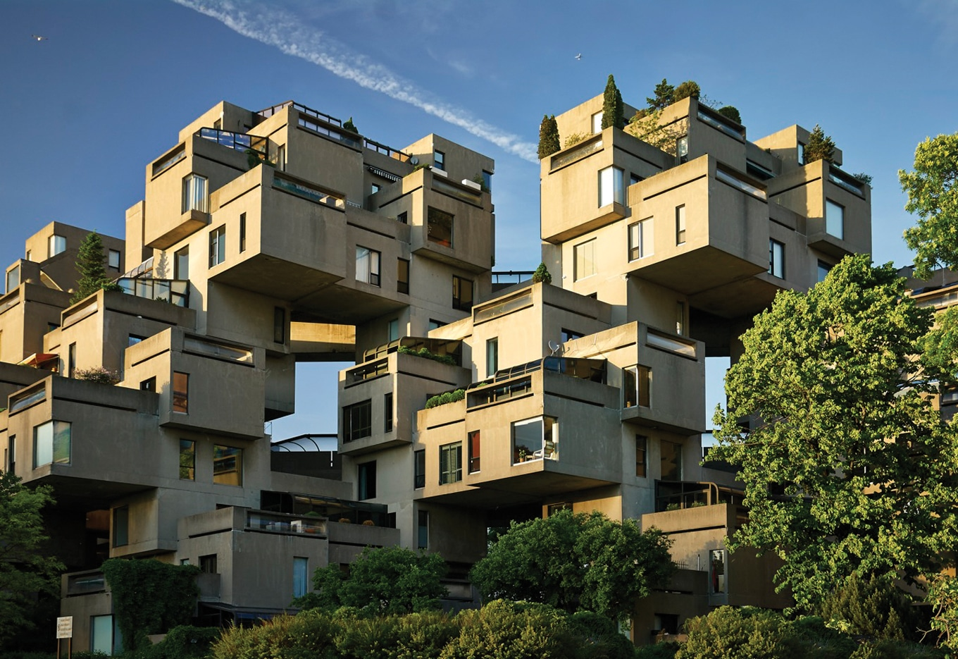 Modular residences of Habitat 67